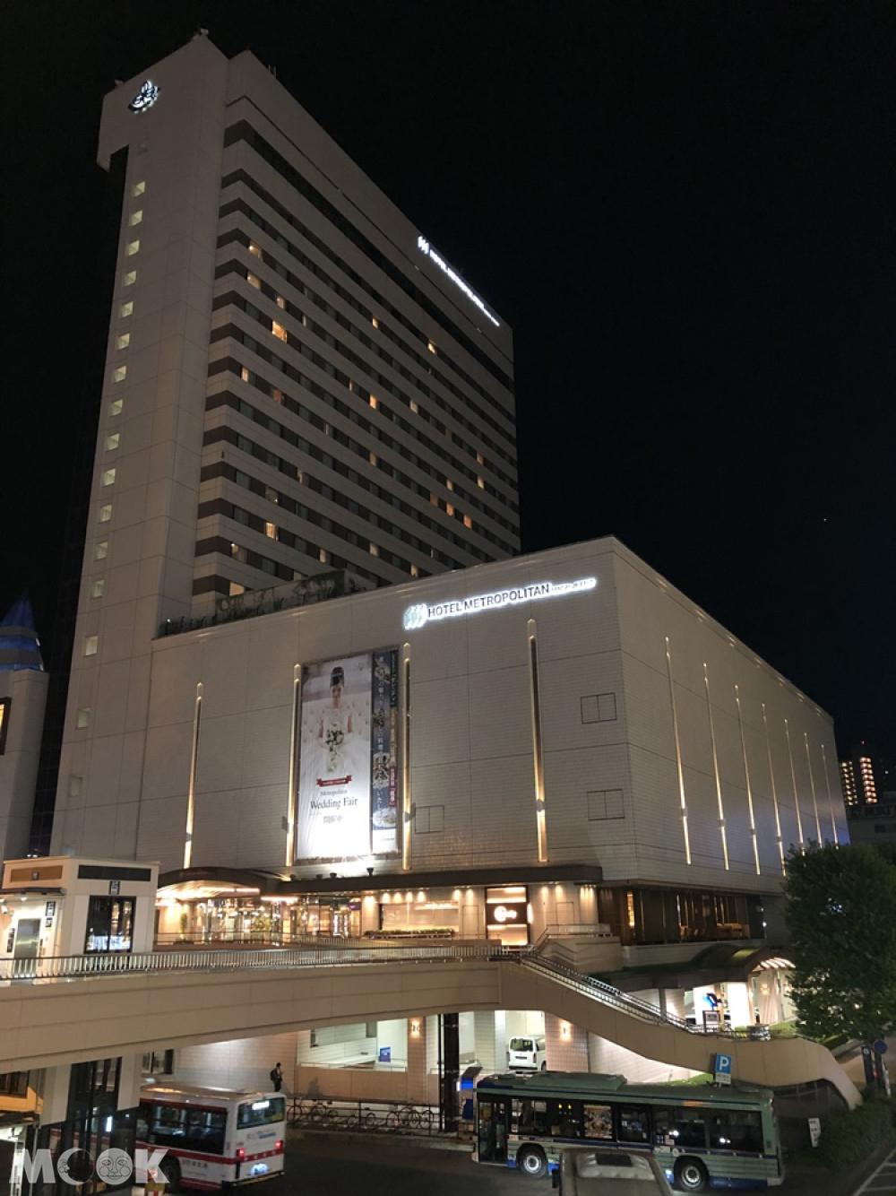 HOTEL METROPOLITAN仙台晚上外觀