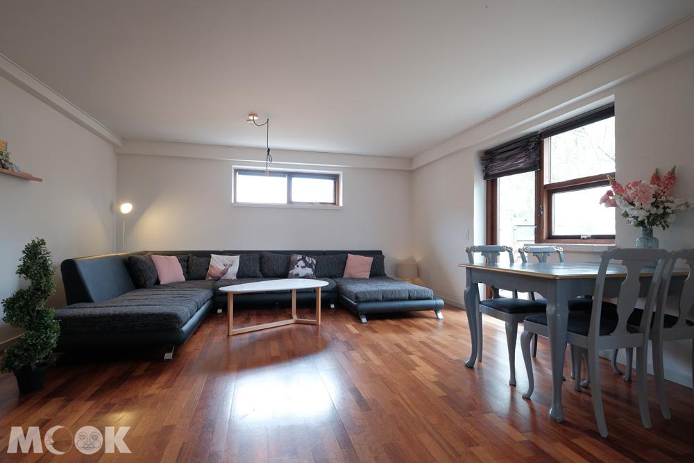 比隆平房獨棟Airbnb客廳