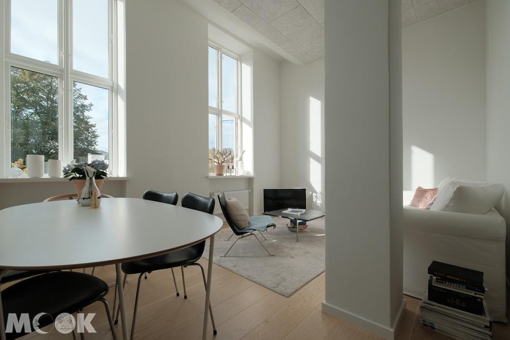烏丹斯新公寓airbnb客廳