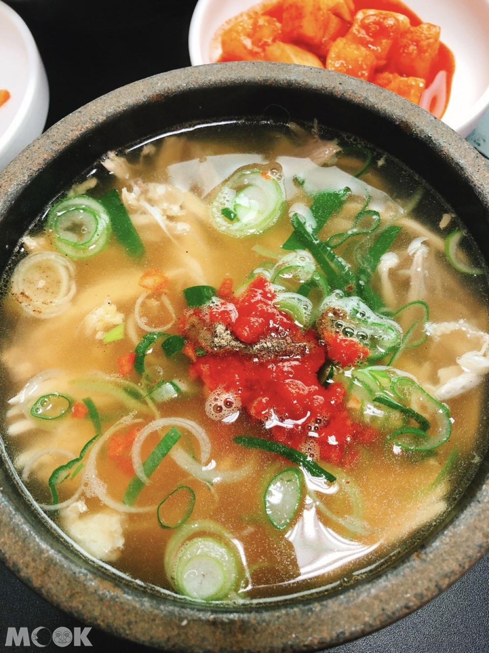 다락투 (Darak Two)雞湯飯