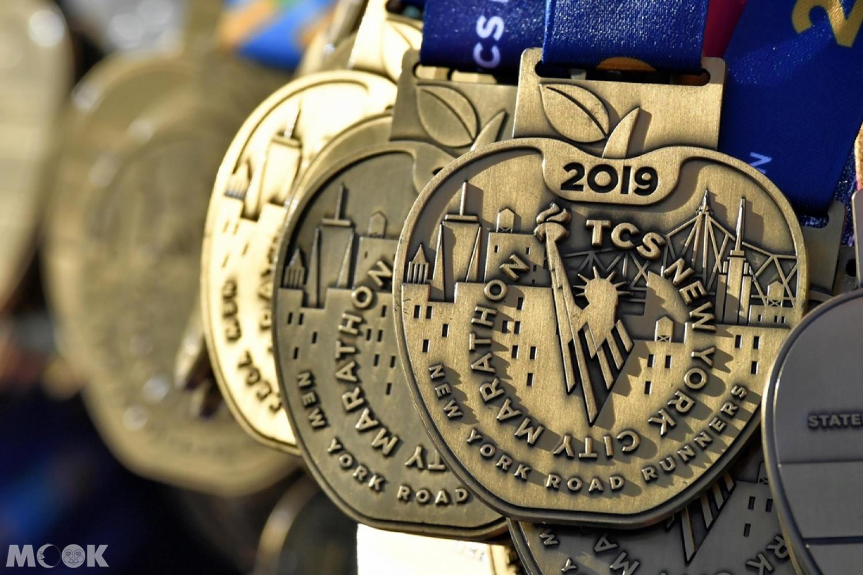 2019年紐約馬拉松的大蘋果獎牌