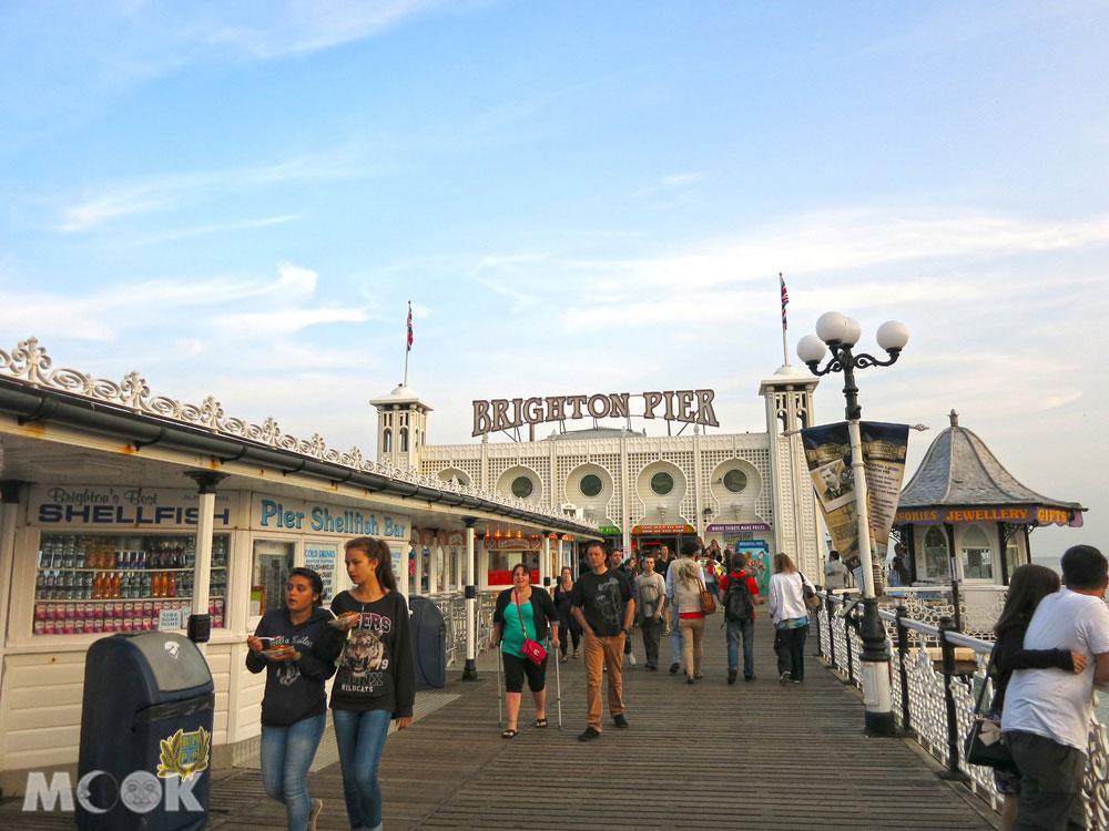 布萊頓碼頭Brighton pier是不少情侶的約會聖地