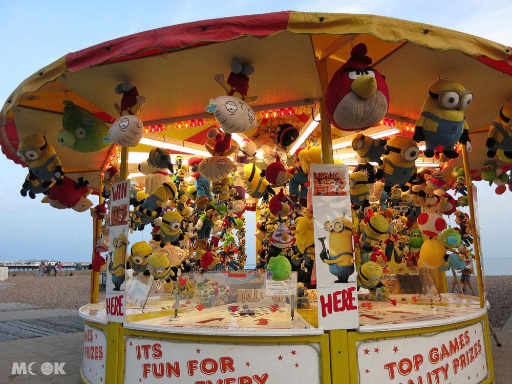 布萊頓碼頭Brighton pier一帶有許多不同種類的遊樂設施