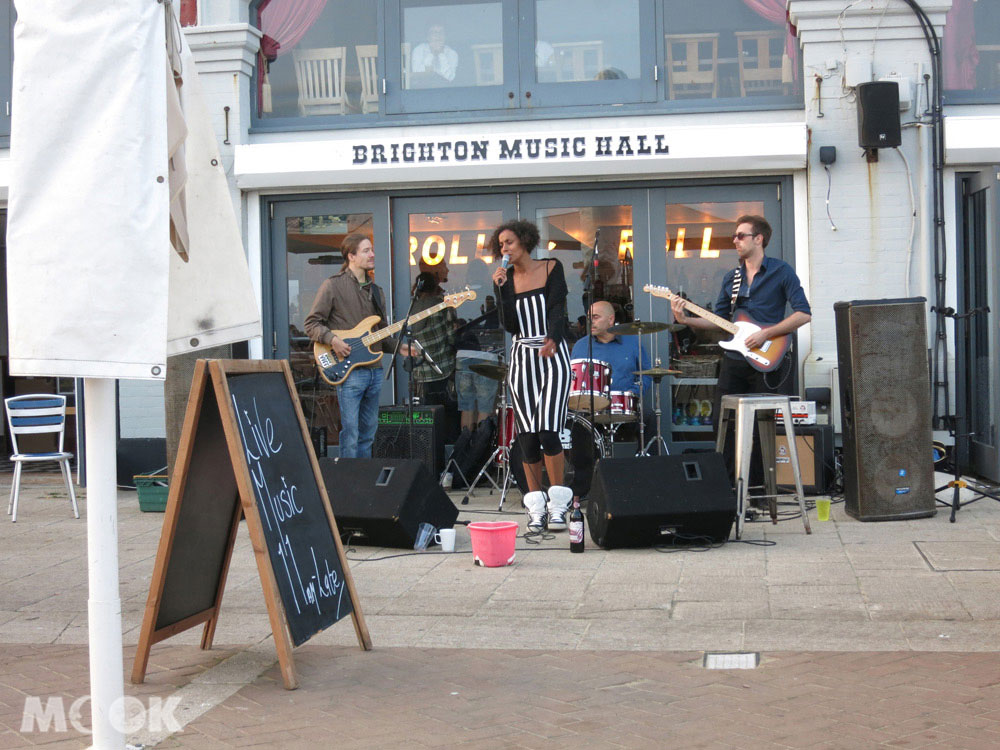 Brighton Music Hall的live演出