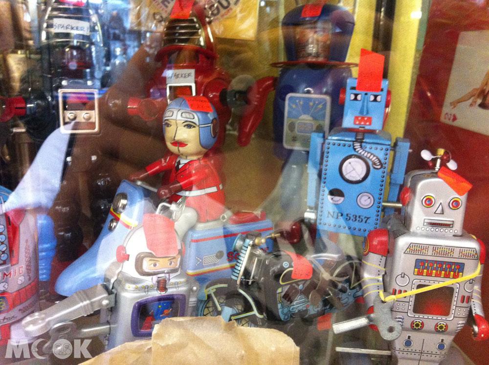 英國Brighton布萊頓的商店Snoopers Paradise Ltd 馬口鐵玩具
