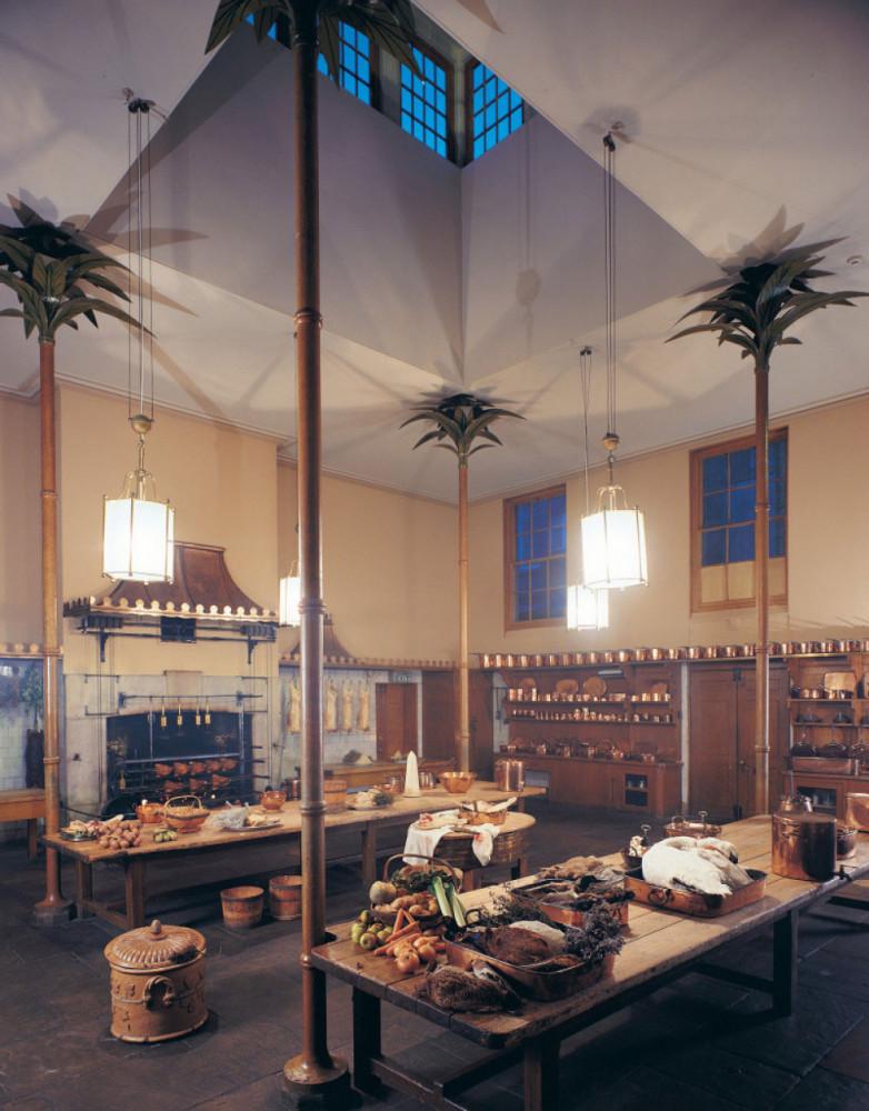 再往裡面走會進到廚房(The Great Kitchen),廚房模擬當時用以款待賓客的山珍海味的狀況,運用大量的銅製餐具據說有吸取油煙的功用。