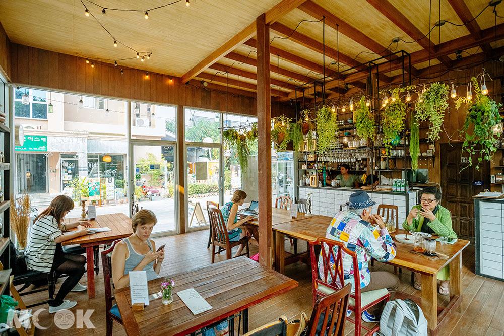 泰國 清邁 尼曼明路 泰國美食 清邁美食 有機 餐廳 Rustic & Blue