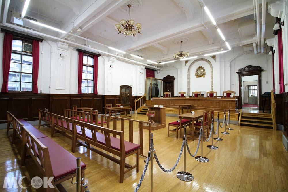 札幌市資料館內部法庭