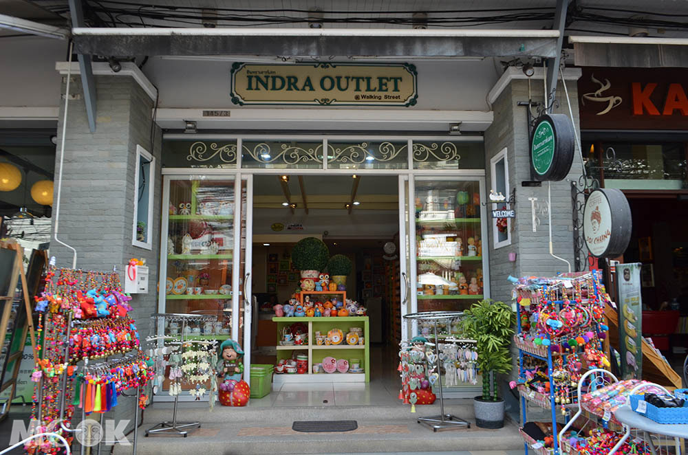 泰國 清邁 古城區 週日步行街 Rachadamnoen Rd. Indra Outlet