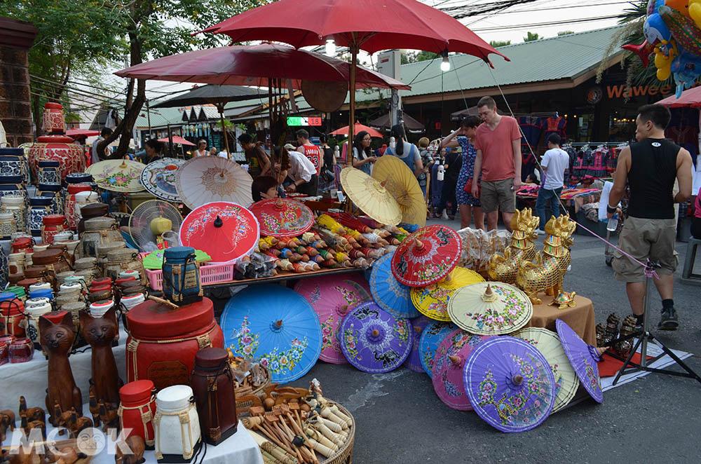 泰國 清邁 古城區 週日步行街 Rachadamnoen Rd.