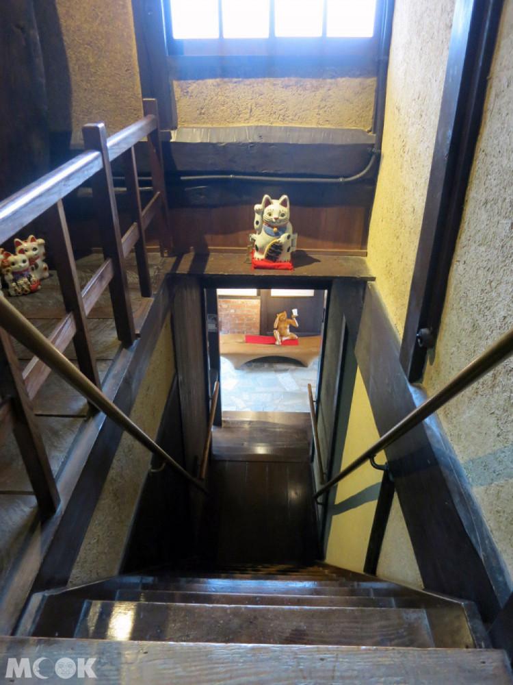 招財貓美術館(招き猫美術館)內樓梯