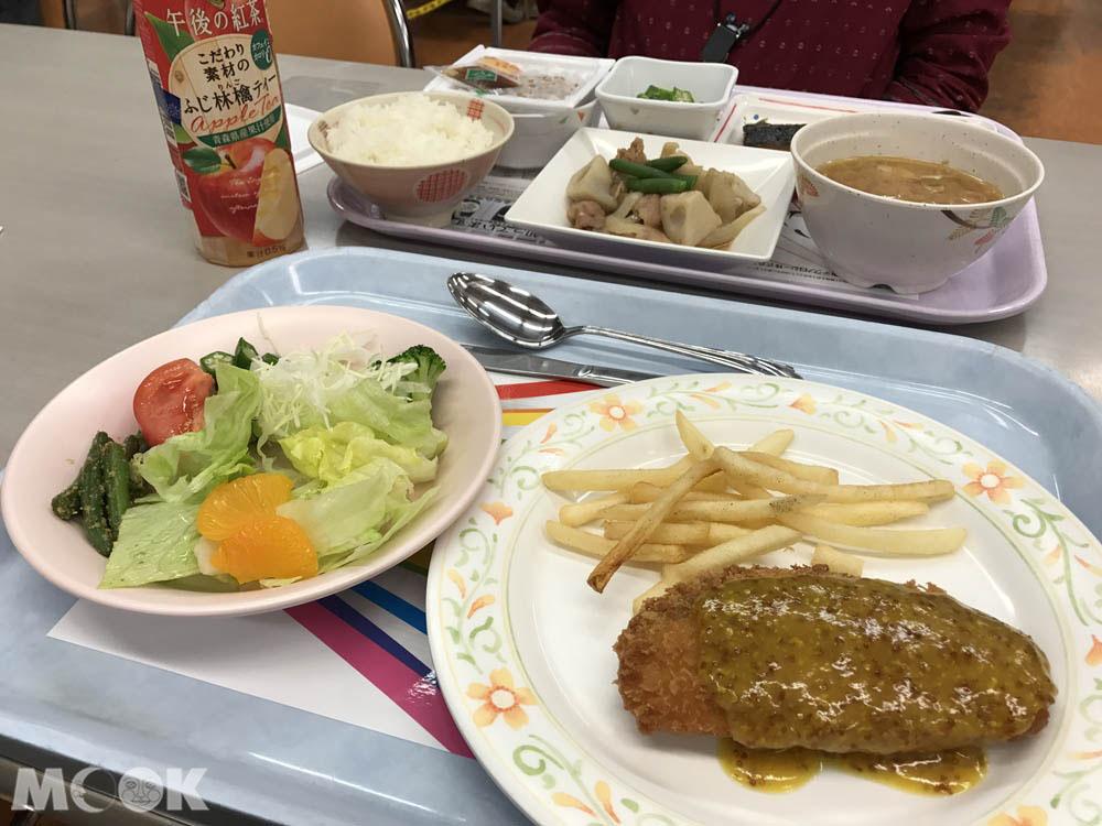 北海道大學中央食堂的餐點