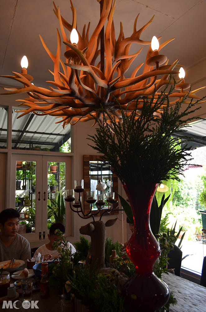 泰國 清邁 濱河 Ping River Woo Cafe