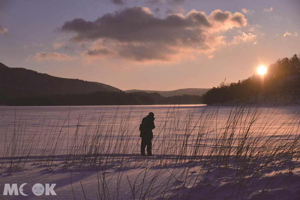 北海道阿寒湖冬天限定的湖上散步