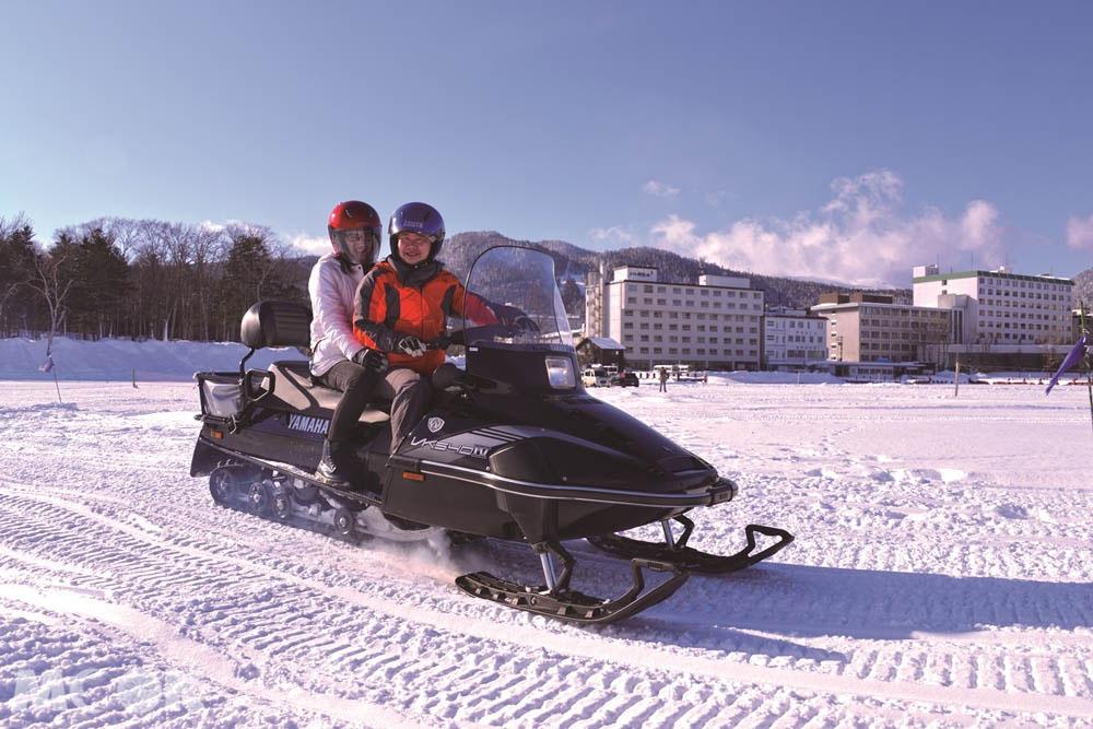 北海道阿寒湖Ice Land AKAN的摩托車體驗