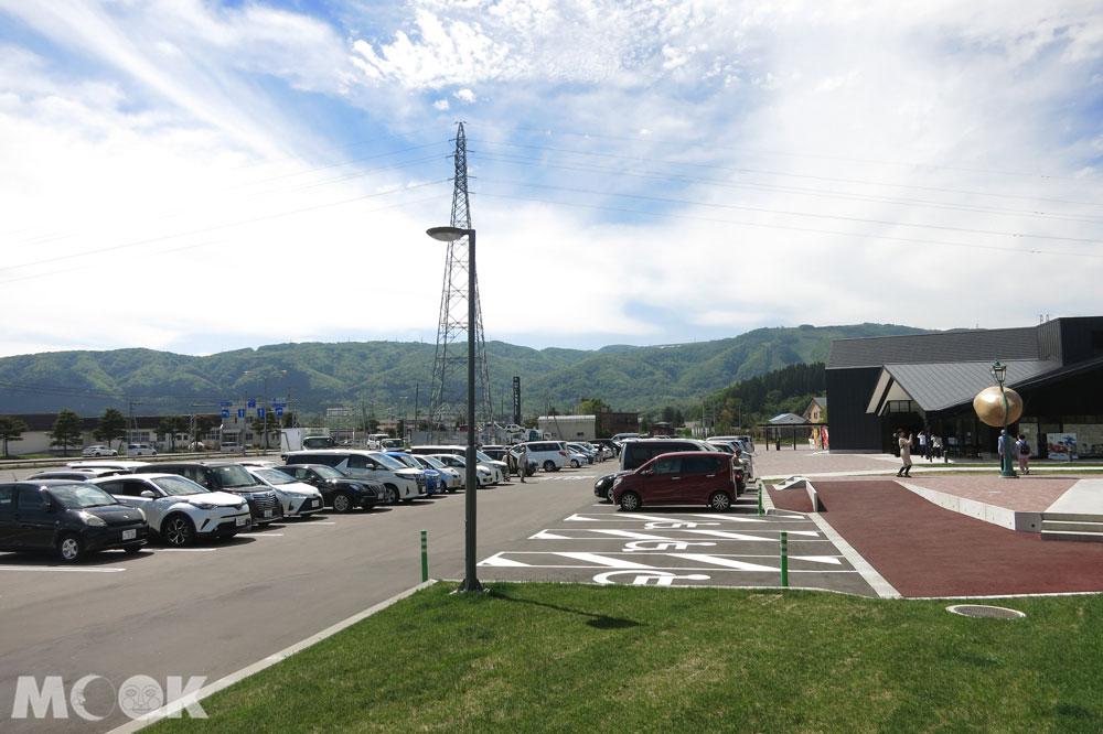 北海道七飯町的道の駅なないろ・ななえ(七色・七飯休息站) 停車場