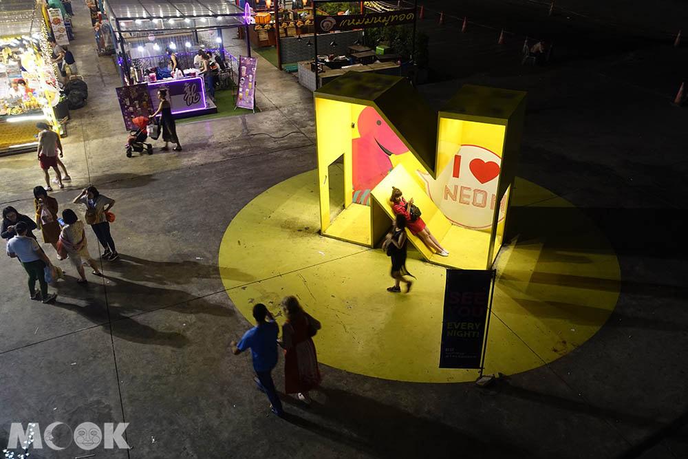 泰國 曼谷 夜市 市集 Neon 霓虹夜市 水門市場