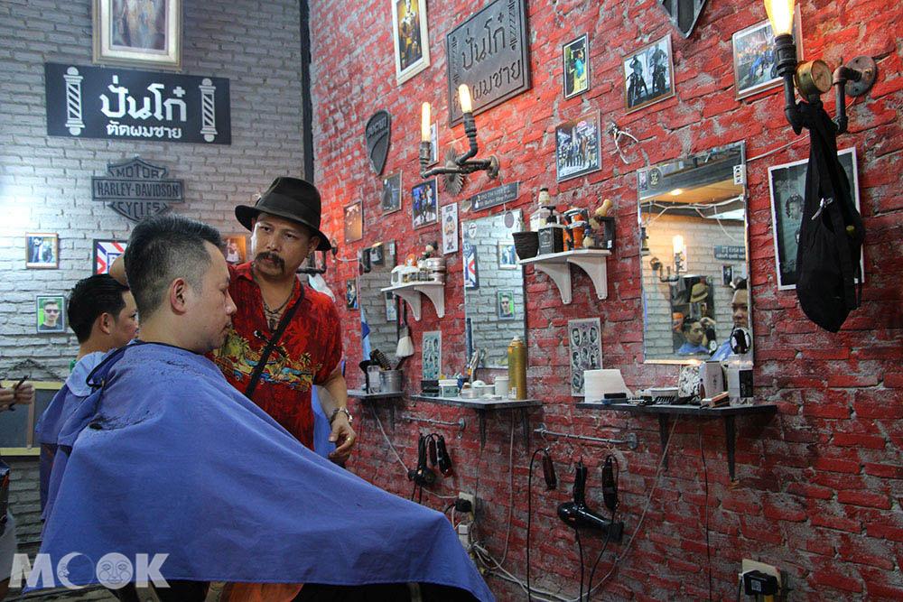 泰國 曼谷 拉差達火車夜市 理髮店