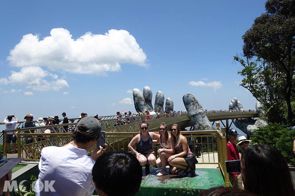 越南 中越 峴港 巴拿山 Sun World Ba Na Hills  黃金橋 拍照點