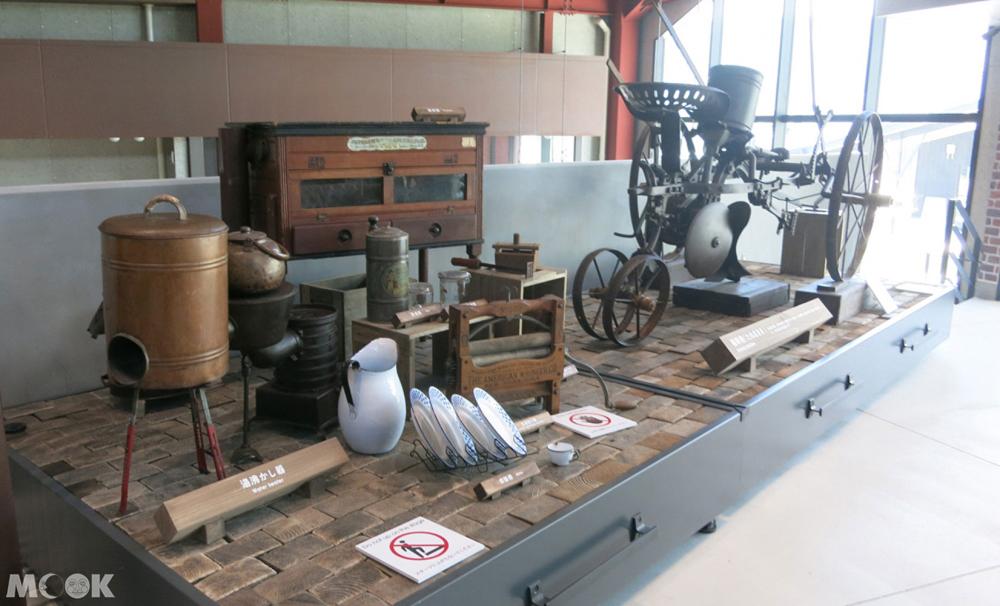 THE DANSHAKU LOUNGE展出用品與農具