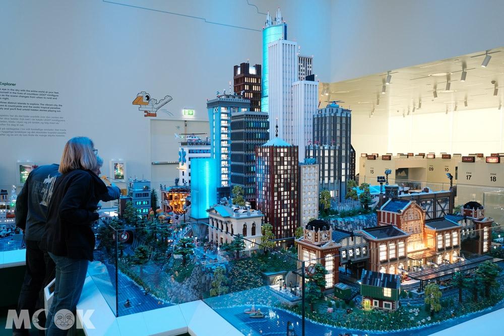樂高之家綠區中的城市模型
