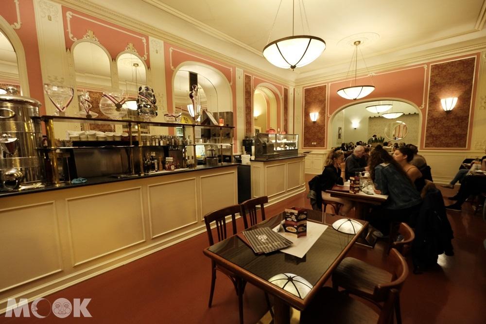 羅浮咖啡館