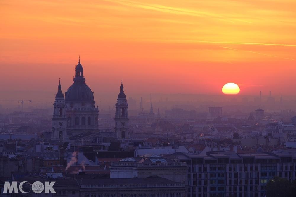 布達佩斯的日出
