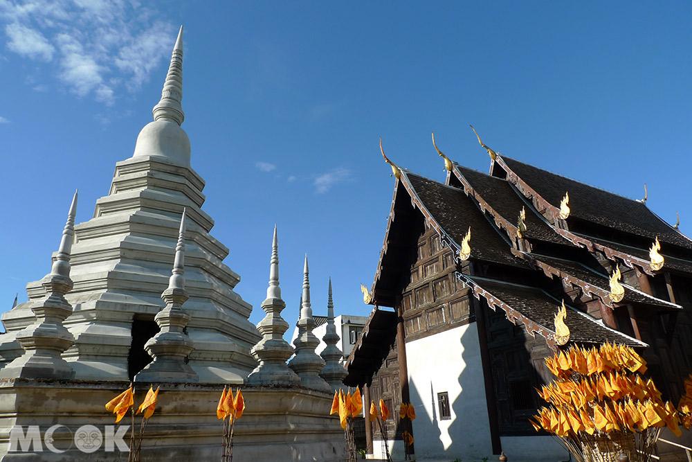 泰國 清邁 古城 寺廟 泰國寺廟 潘道寺 佛塔 主殿外觀