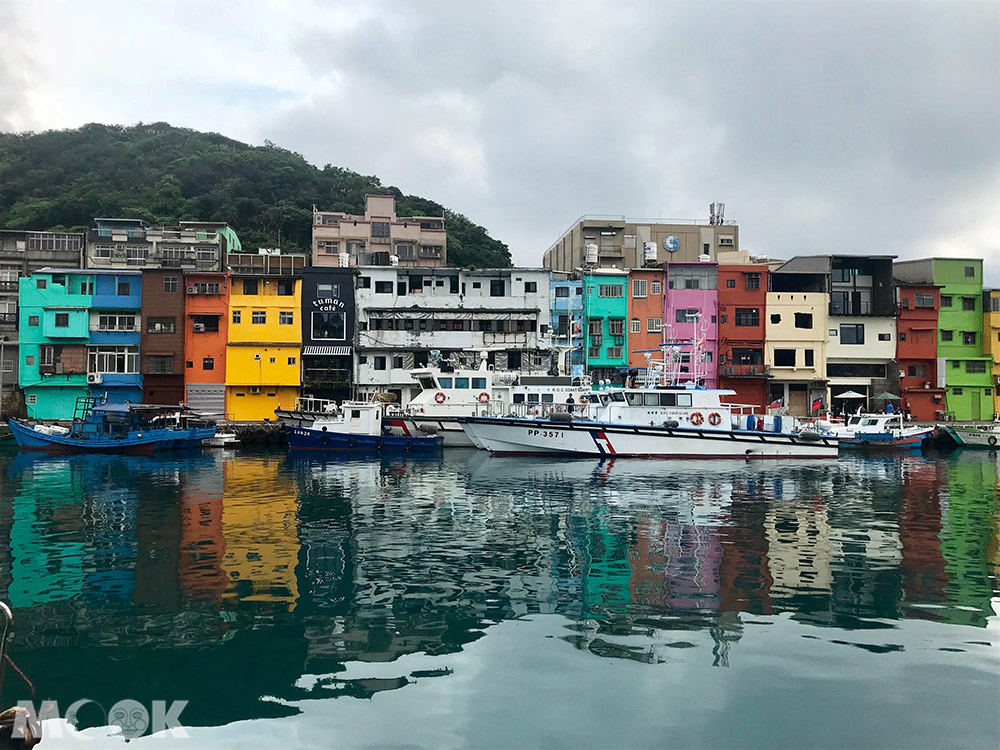 基隆 正濱漁港 彩繪 彩色房屋