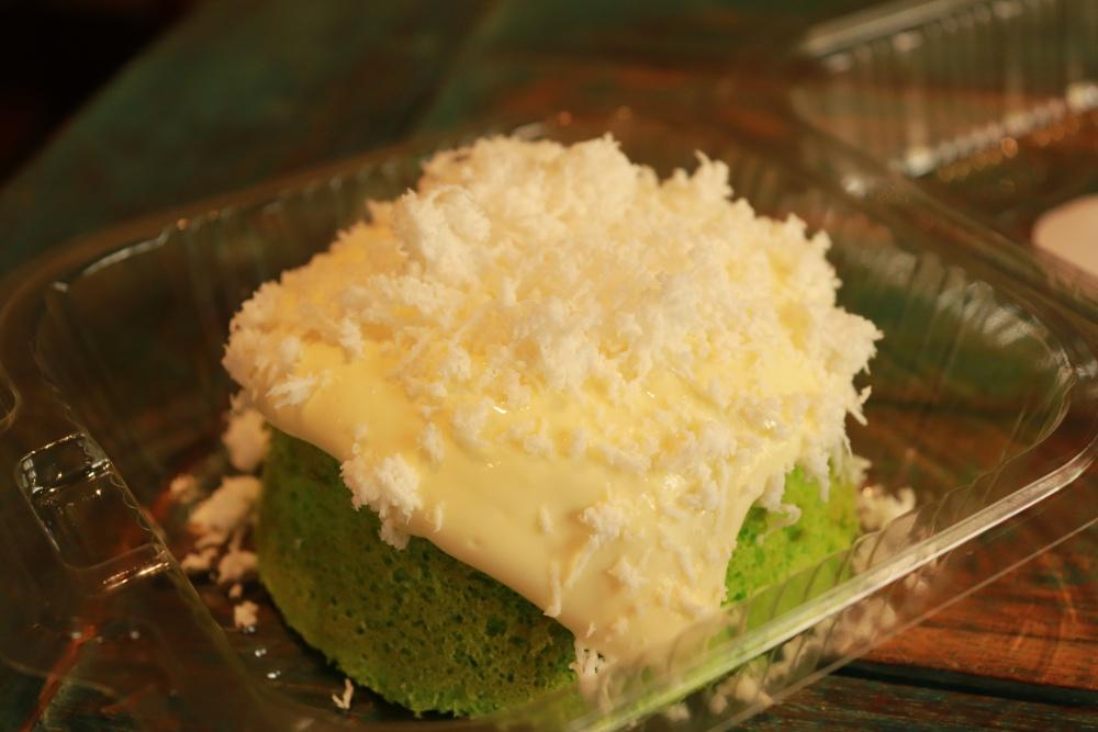 Root Pâtisserie Café 椰糖椰絲爆漿海鹽奶蓋蛋糕
