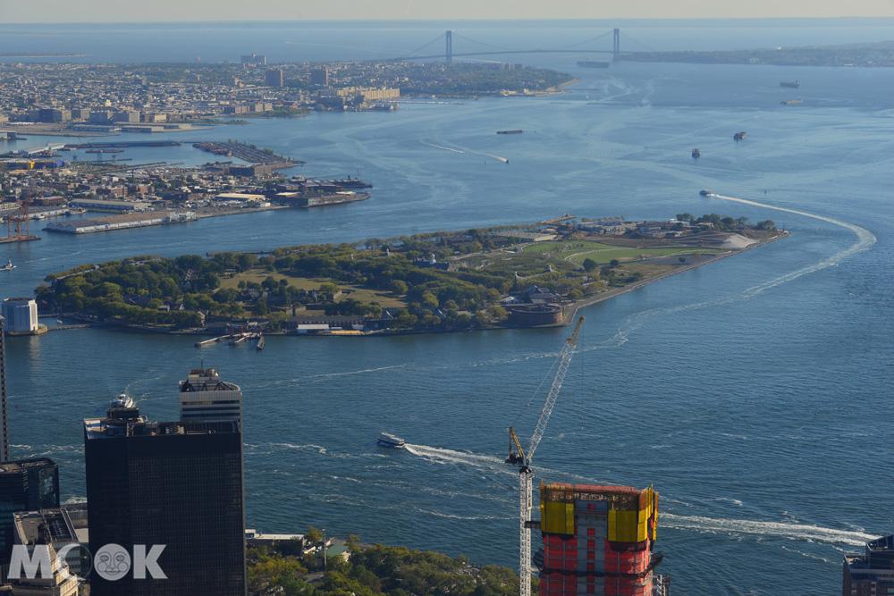 從世貿一號大樓觀景台俯瞰總督島