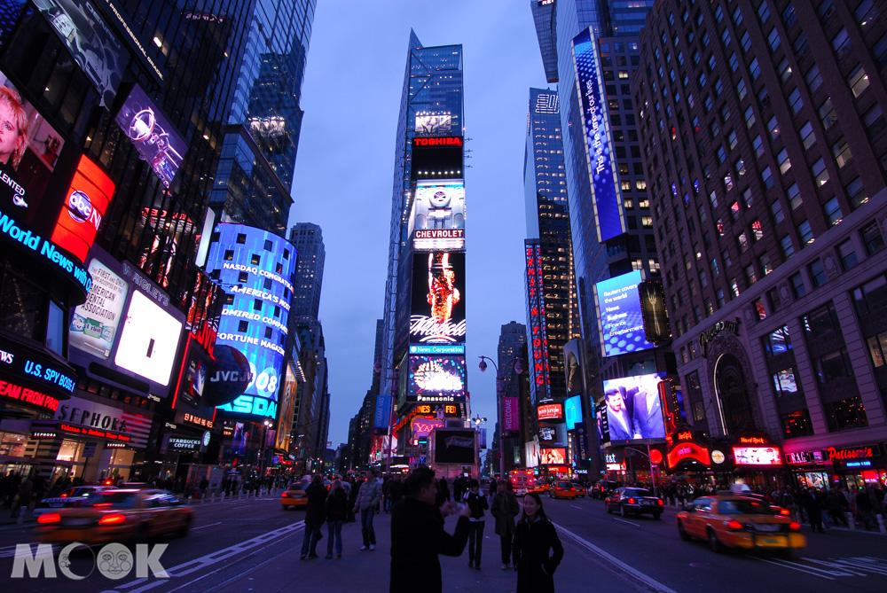 紐約時報廣場夜間街景