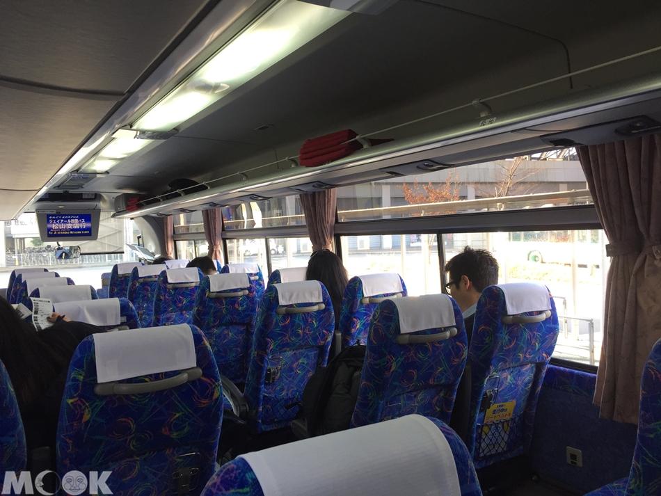 墨刻MOOK日本四國高速巴士內部照片