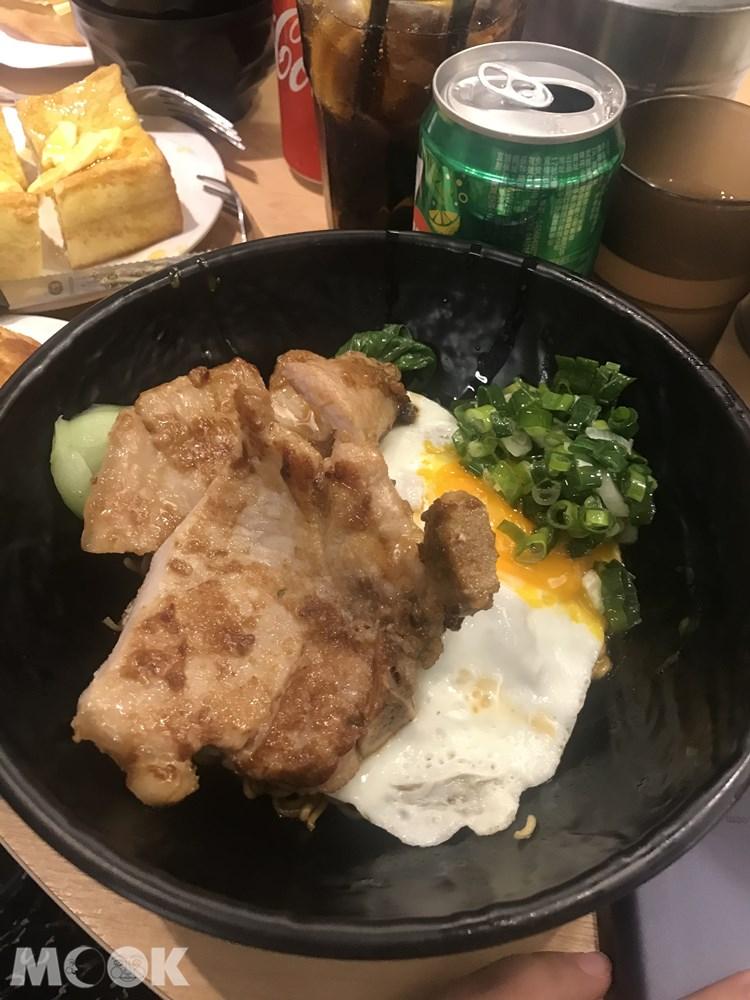 台灣 台北 華嫂冰室 油蔥豬扒撈丁