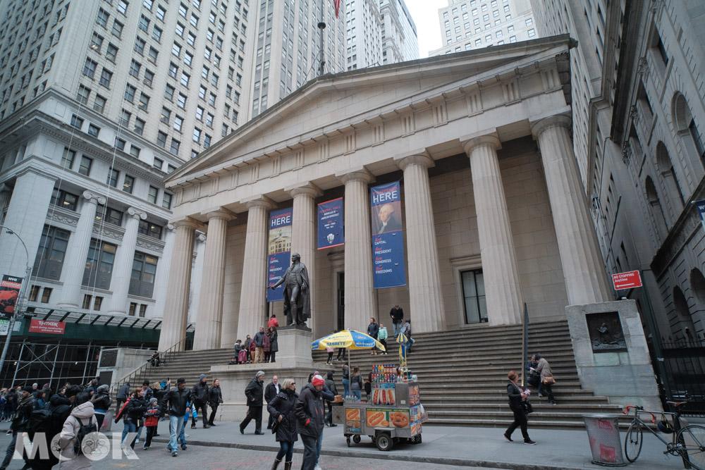 紐約華爾街上的聯邦廳