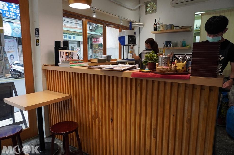 台灣台北市 中正區 東門站 金雞母刨冰甜品專門店 店家內景