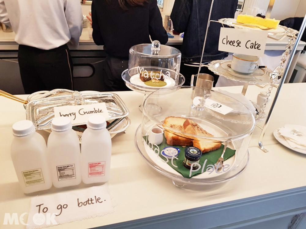 Socail Club Milk Tea是主打,是外帶瓶裝的伯爵奶茶