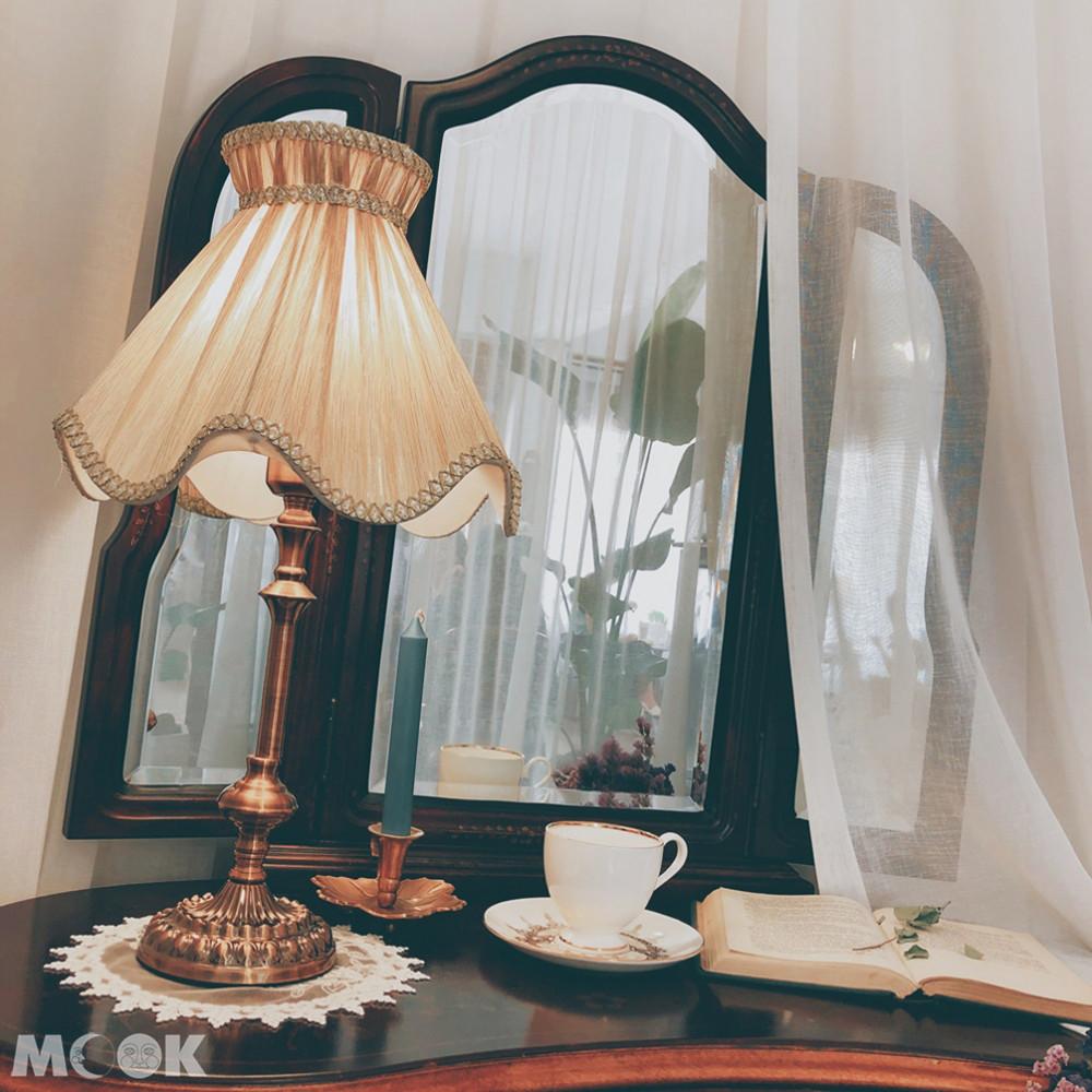 咖啡楊貴妃店內的裝潢都很復古