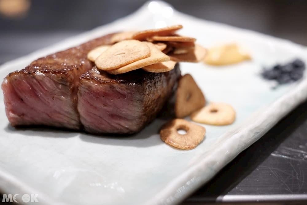 雪月花神戶牛加熱後與紅肉交織成絕妙的平衡口感