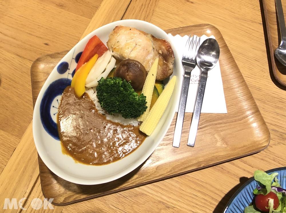 九州鬆餅-嚴選嫩雞野菜咖哩飯