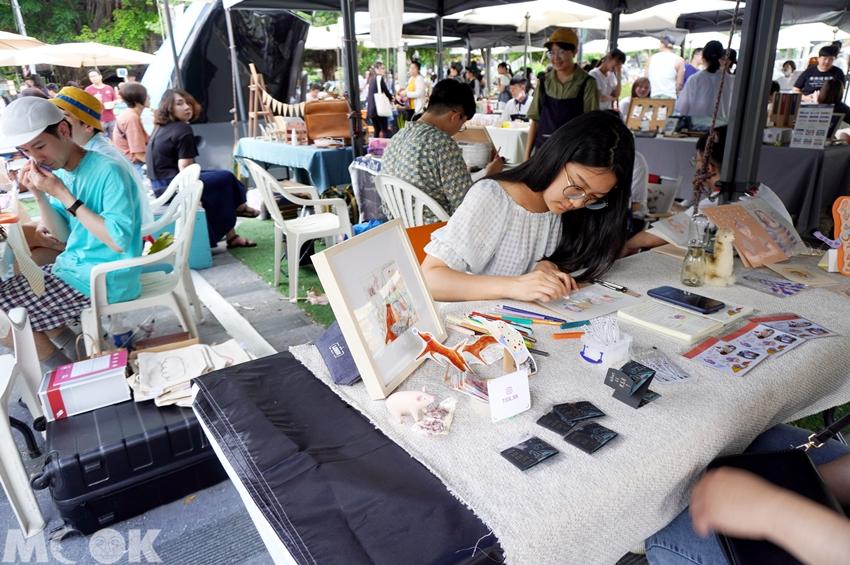 台灣台中市 台中市集 療癒市集裡的手繪攤販