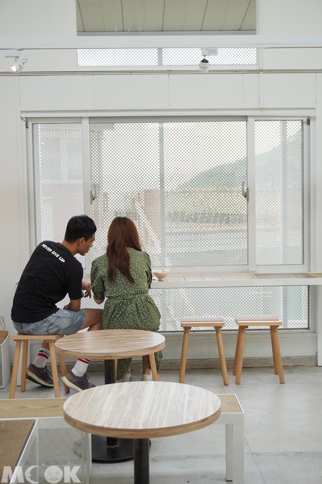 台灣新北市 瑞芳區 野事草店 店內觀 窗邊位置