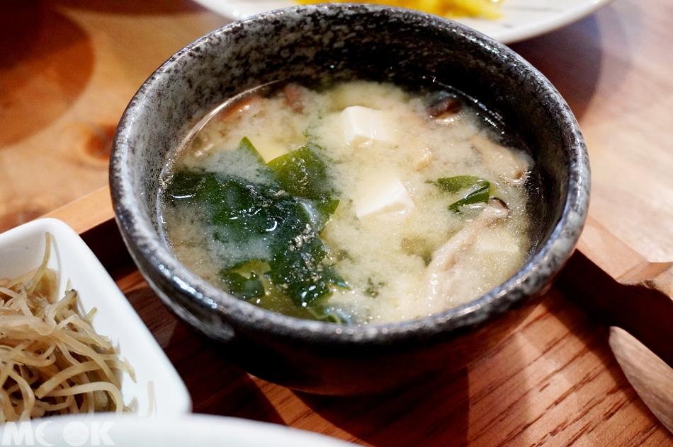 台灣台北市 忠孝敦化站 元禾食堂 有機味噌湯