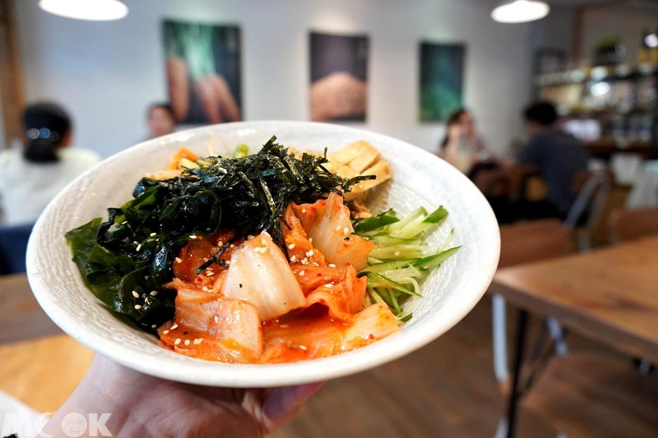 台灣台北市 忠孝敦化站 元禾食堂 韓式泡菜拌飯