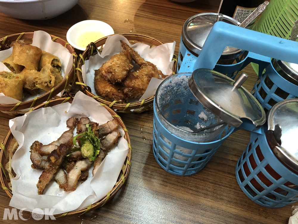 哈哈羅55泰式船麵-炸雞翅、泰式香香豬、炸春捲
