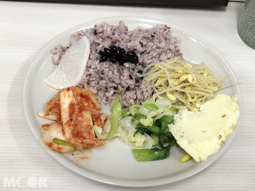 韓食堂以雪爾 套餐餐點