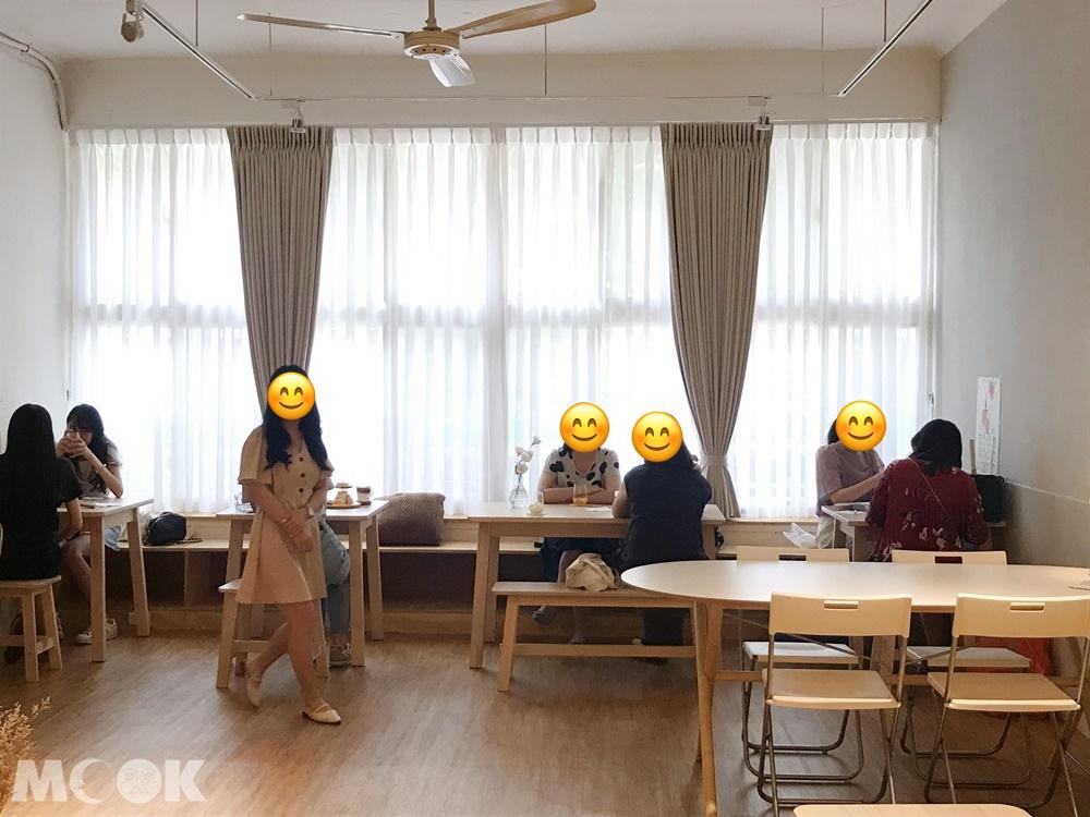 韓系咖啡廳January Couple內部