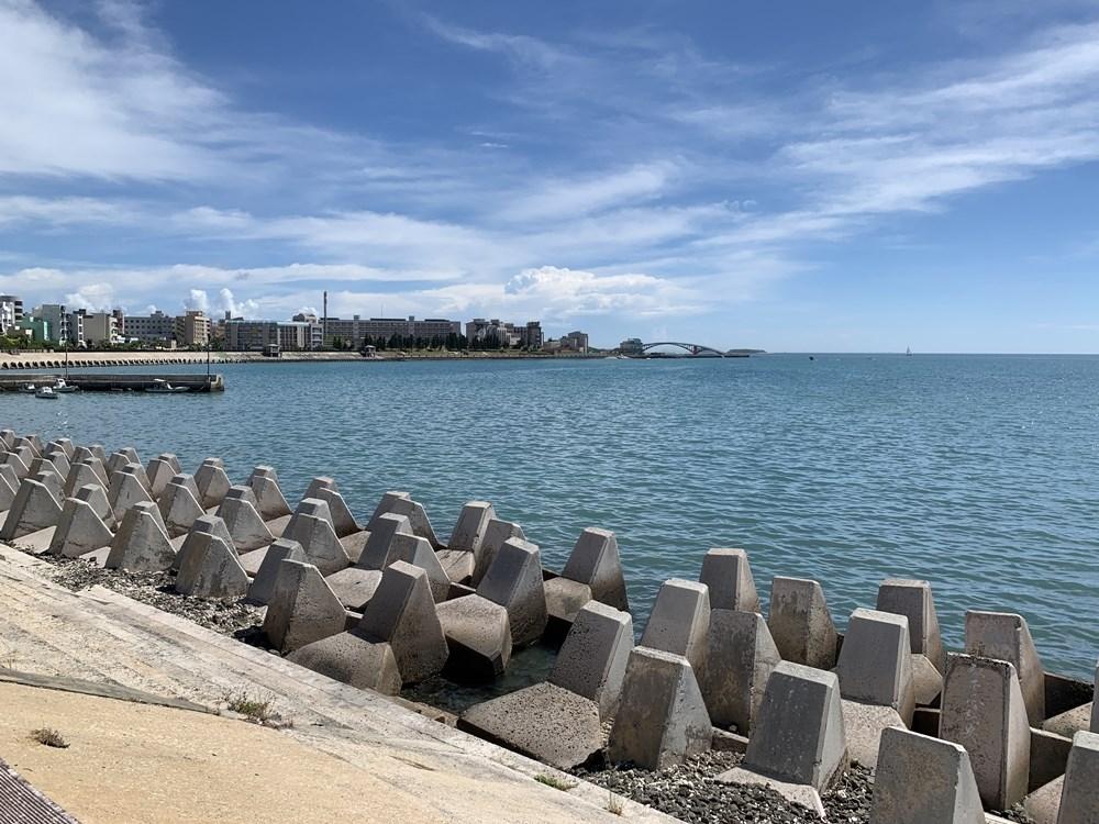 草蓆尾海堤