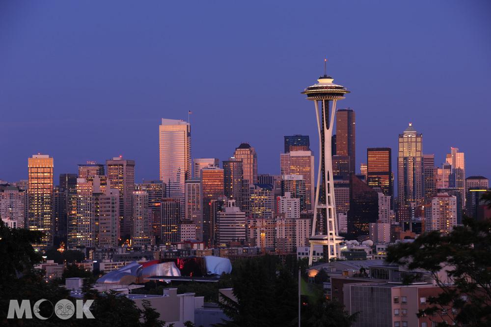 從凱瑞公園看太空針塔和西雅圖夜景