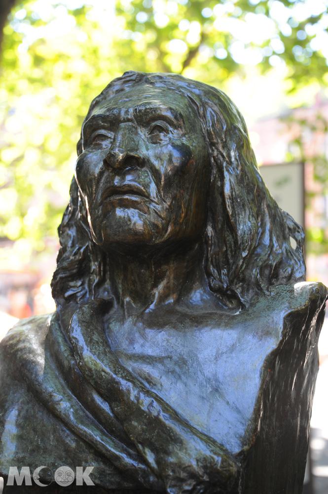 拓荒者廣場上的西雅圖酋長雕像